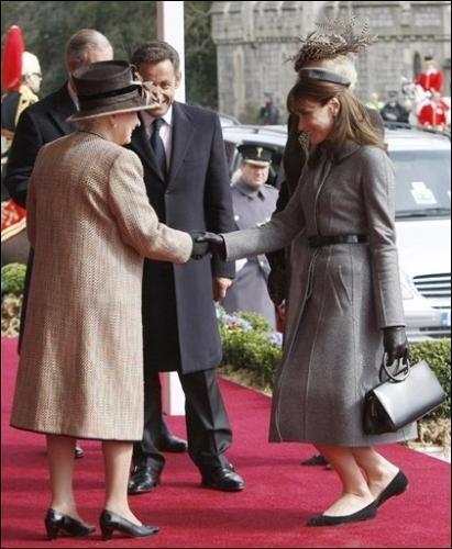 Les bonnes manières à l'anglaise : quel est protocole royale à adopter avec la Reine Elisabeth II ?