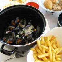 Moules_Frites Comment manger des moules-frites avec élégance ? hourtin ducasse château vignoble etiquette dégustation savoir-vivre