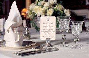 downton abbey dîner de cérémonie comment mettre la table dîners aristocratiques diamant belle table 19e siècle savoir-vivre protocole étiquette dining room comment servir à table service des plats ladies gentlemans