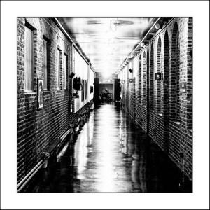 couloir sombre et interminable