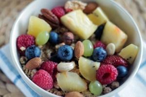 lutter contre le cholesterol grâce aux fruits et légumes. Les fruits et légumes sont riches en vitamines et en antioxydants.