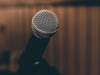 microphone pixabay e1516634626928 - 10 moyens de faire baisser votre trac