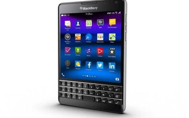 BlackBerry Classic and redesigned BlackBerry Passport land on AT&T
