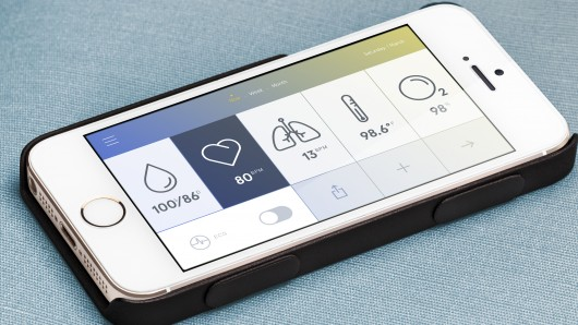 wello-case-turns-smartphone-into-low-cost-mobile-medical-suite-6