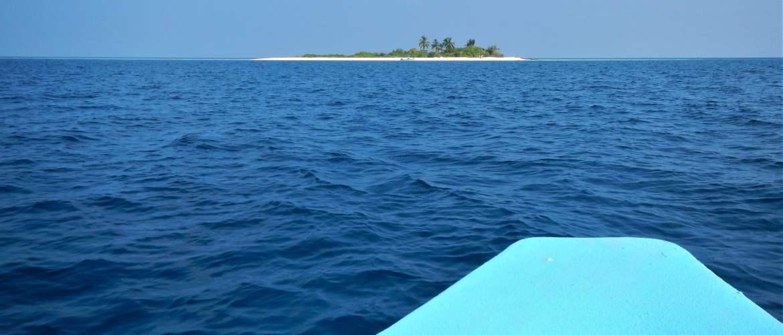 maldives boat ocean