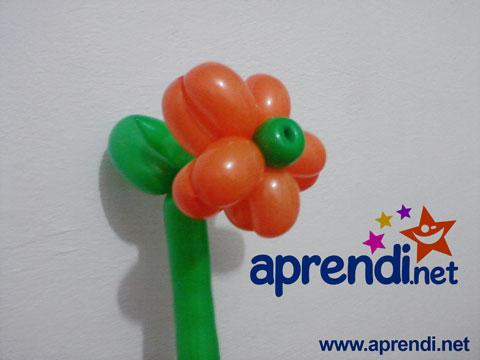 Flor de escultura de balões do McDonalds