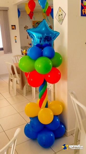 Coluna de balões - Balões nº9, 260 e metalizado em forma de estrela.