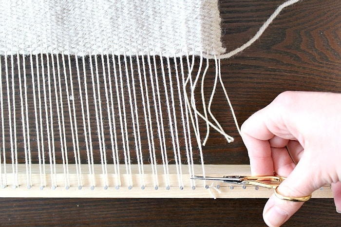 DIY Woven Pillow - remove weaving.