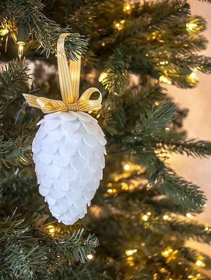 diy felt pinecone ornament - Pine Cone Ornaments