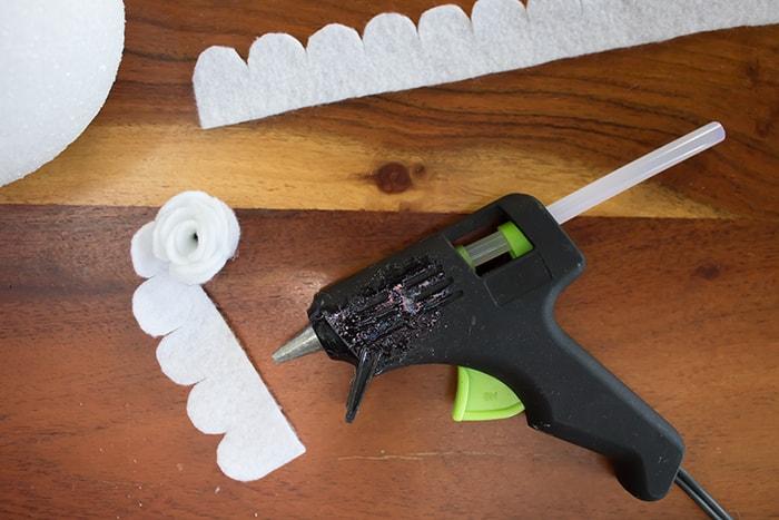 DIY Felt Pinecone Ornament - Roll Up 1 Felt Strip