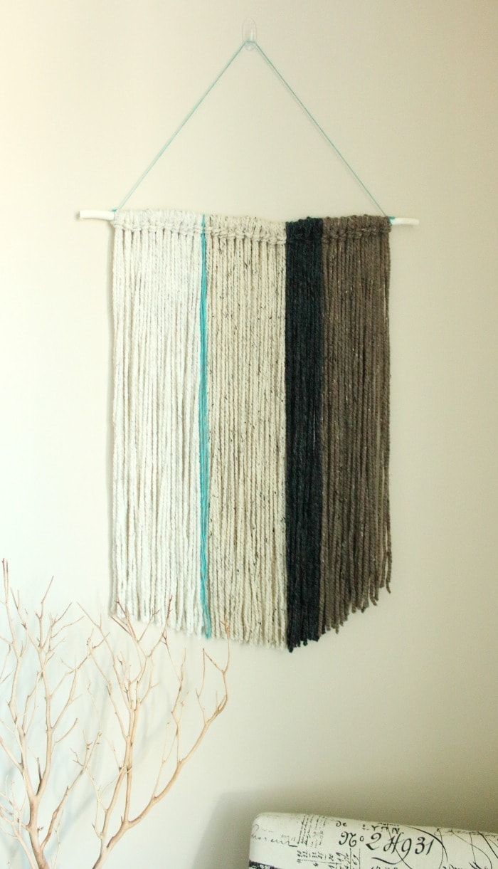 Diy yarn wall hanging a pretty fix for How to make a rope wall