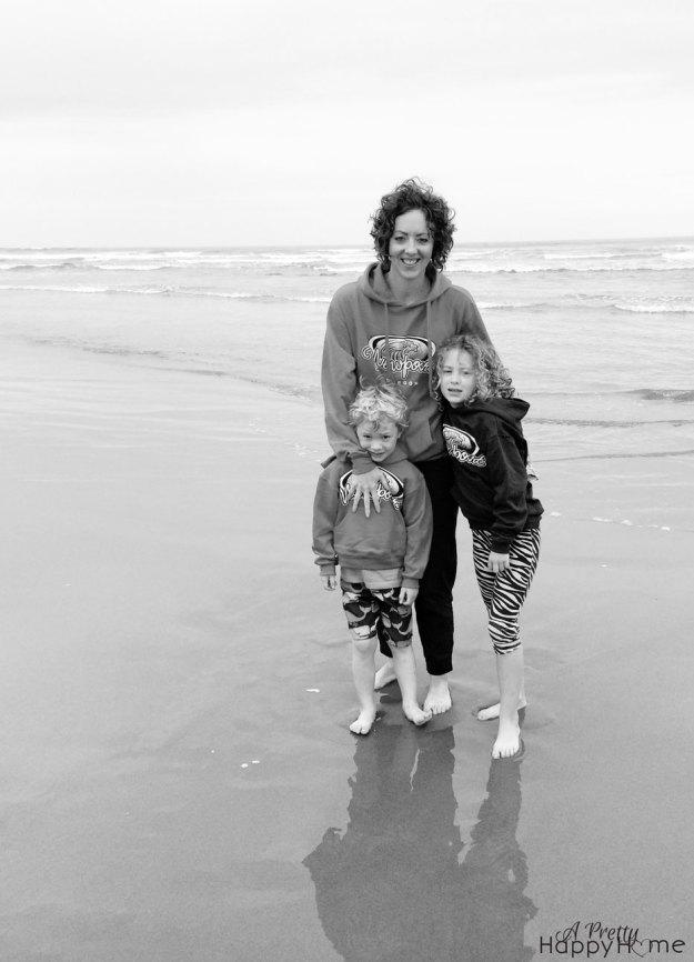 2015_7_12-Annika-Tor-Annisa-Beach