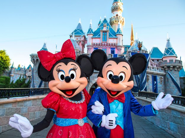 Mickey-Minnie-Mouse-Disneyland-Diamond-Celebration-2
