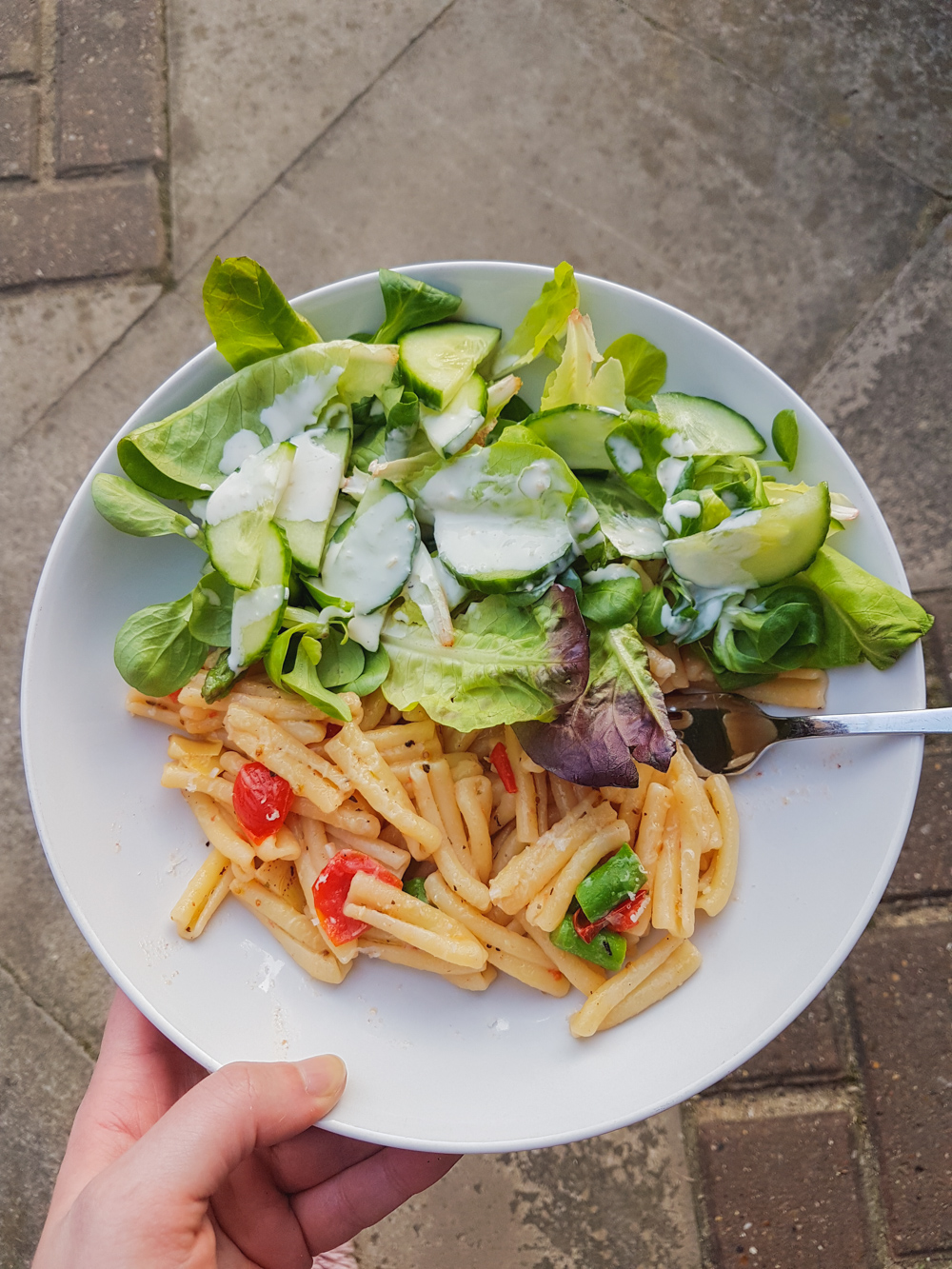 Tomato, Garlic and Asparagus Pasta with Salad