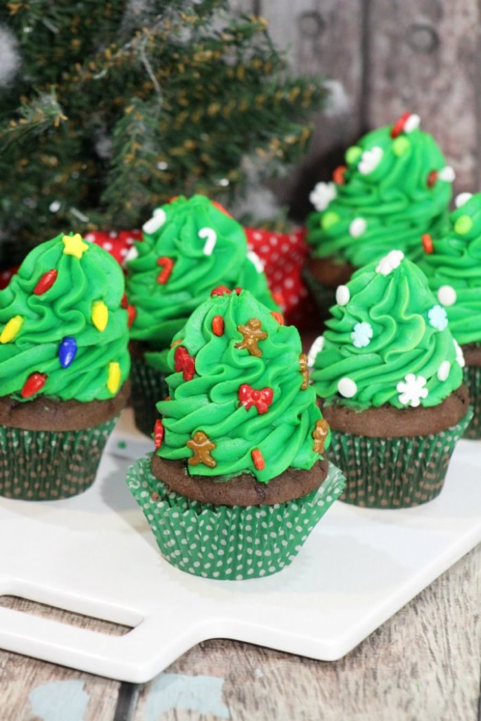 Christmas Tree Cupcakes With Green Frosting