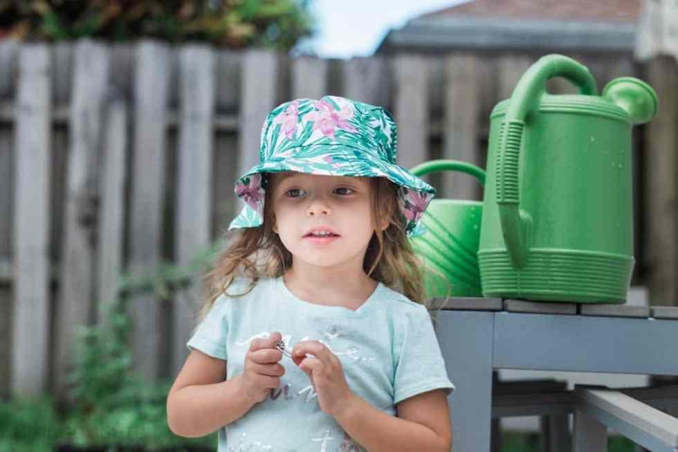 Toddler Gardening (1 of 5)