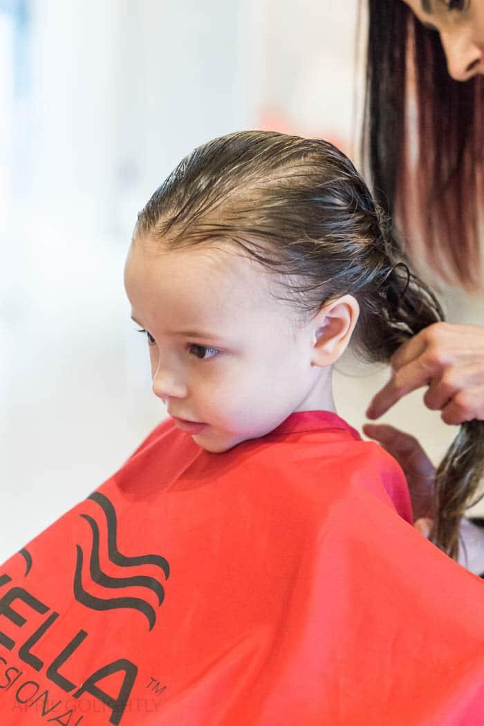toddler-first-hair-cut-1-of-6