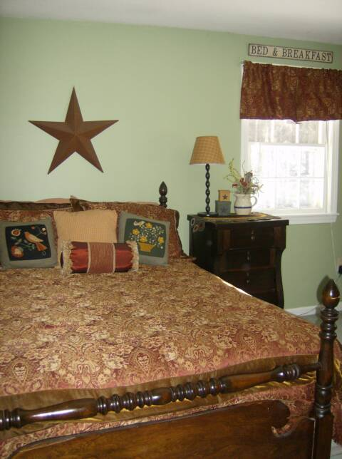 A Primitive Place Primitive Amp Colonial Inspired Bedrooms