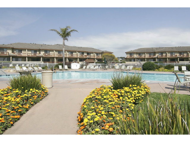 121 Seascape Resort