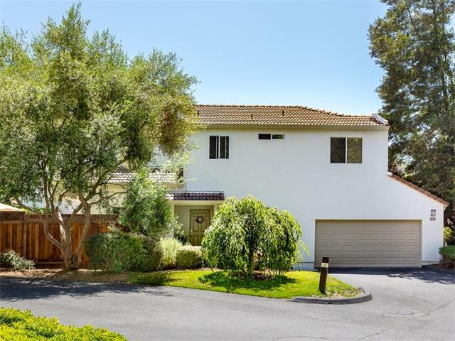 210 Carrera Circle - 3/2.5 1450sf - sold for $704K in 9 DOM