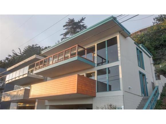 544 Beach Drive - 3/3 2100sf - sold for $1,825,000 after 64 DOM