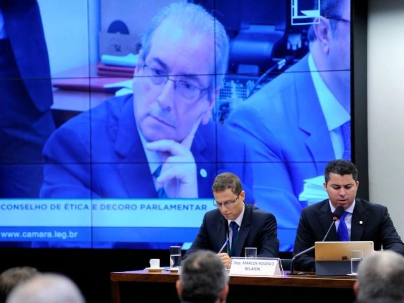 O deputado afastado Eduardo Cunha (PMDB-RJ) depõe no Conselho de Ética.
