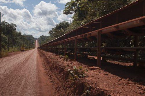 Esteira que carrega bauxita tem 70 km de extensão (Foto: Ana Mendes)