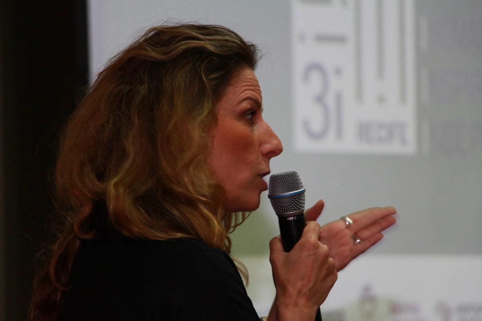 Daniela Pinieor, chefe de redação da revista Época