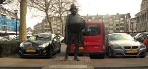 Dirk IV standbeeld