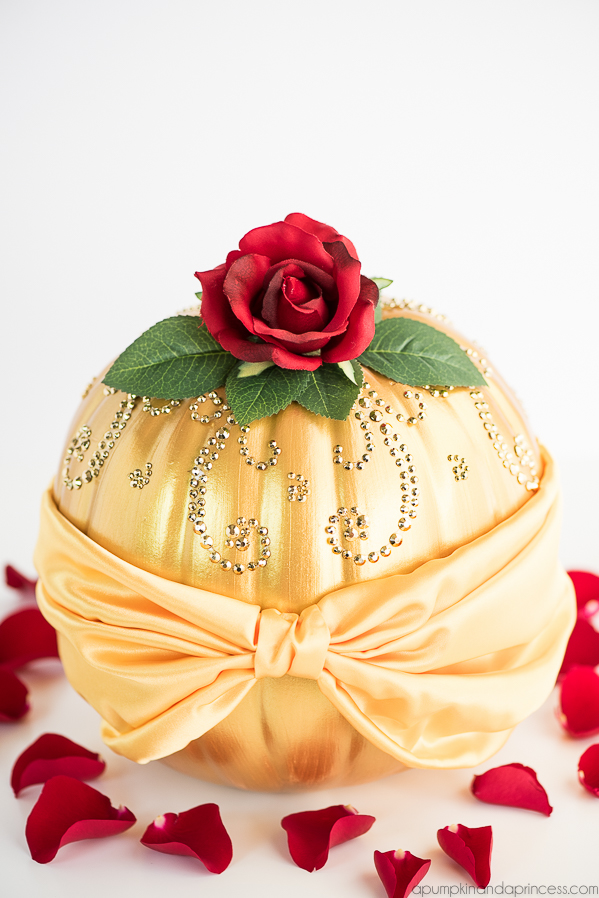 Cake Decorating Rose Cake