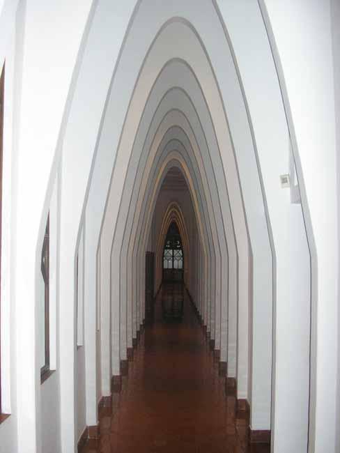 Resultado de imagen de arcos modernistas gaudí