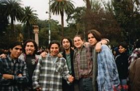 Esteban, Edwin, Rodrigo, Claudio, Angelo y Hernán en el Parque Italia, 1998