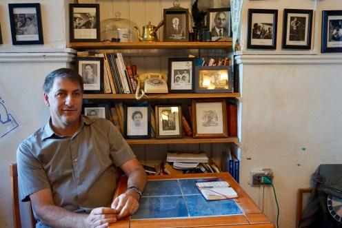 Todd Temkin en el Café República Independiente de Playa Ancha