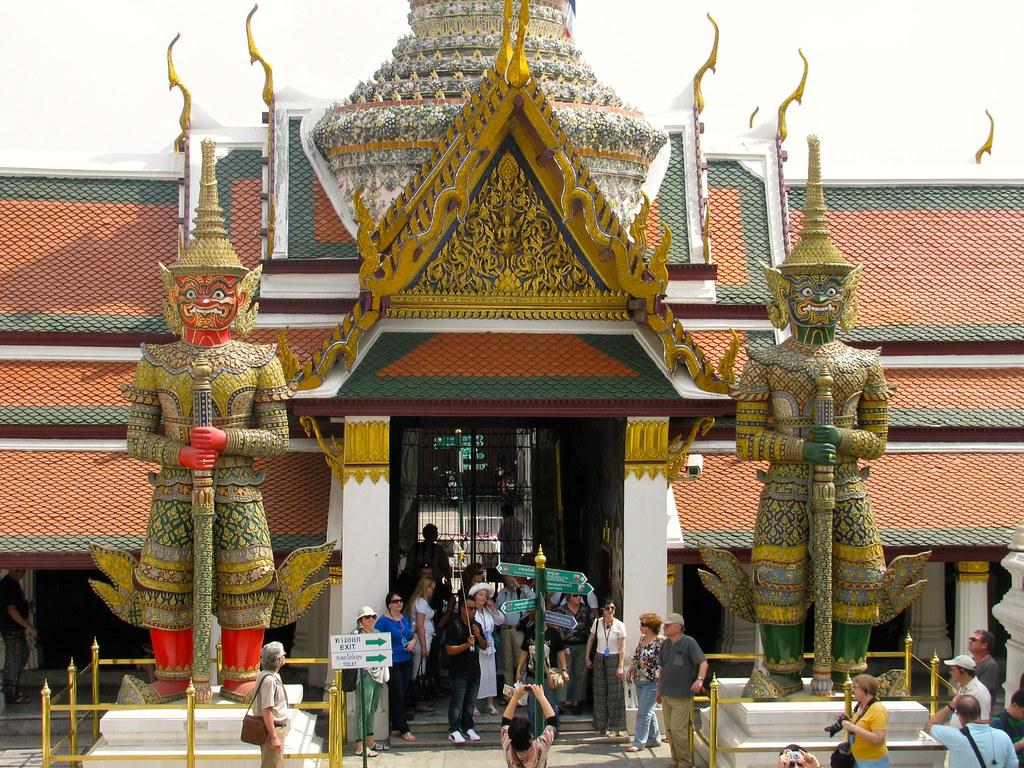 Acceso al Wat Phra Kaew