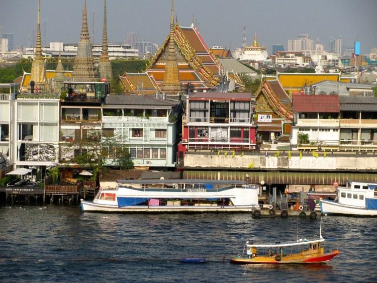 Vista al Gran Palacio desde el Wat Arun