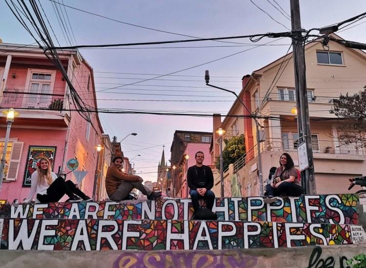 We are Not Hippies We are Happies, Mural de Art + Belive.