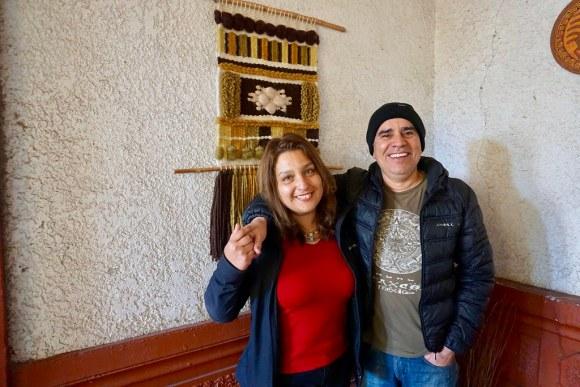 Carolina Codoceo y Víctor Contreras, dueños de Hostal Balmaceda