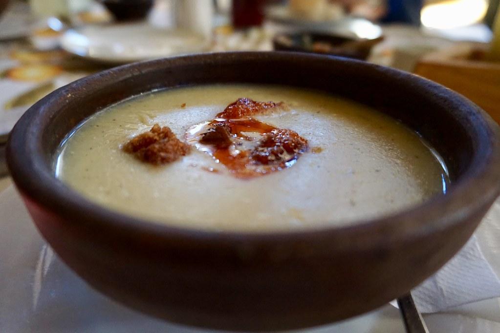 Crema de Arbejón en Restaurante Entre Cordillera
