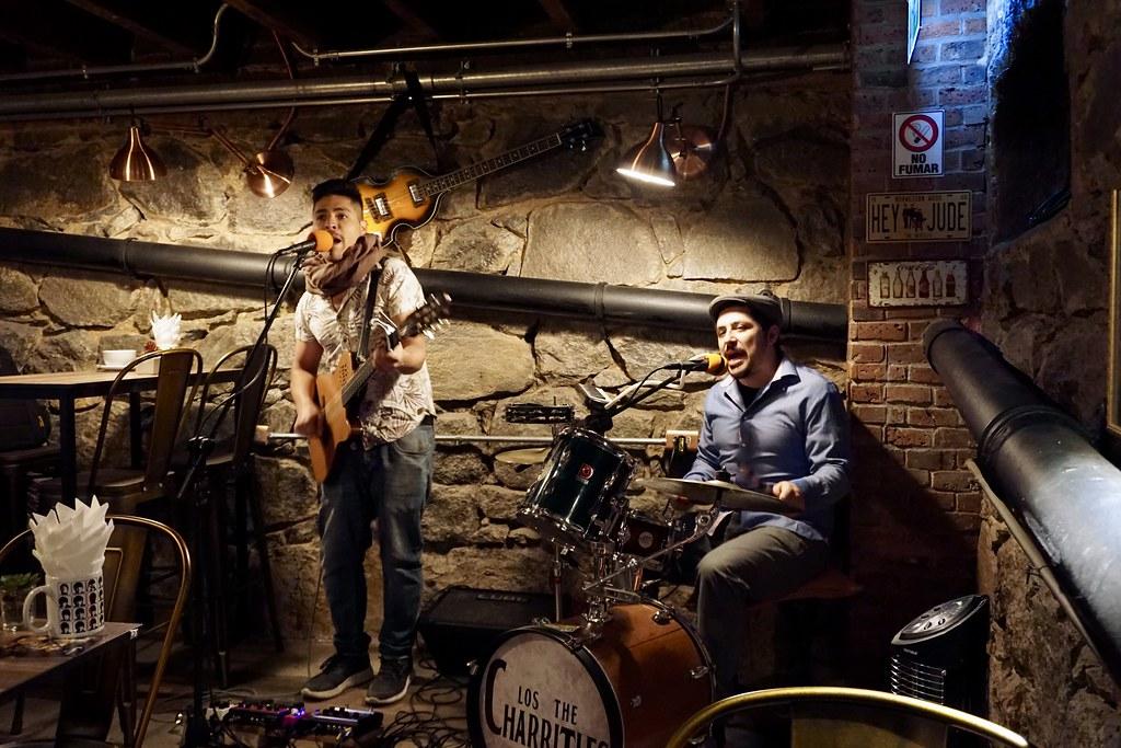 Los The Charritles en La Caverna