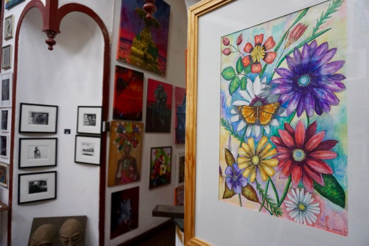 Flores de Otoño en Galería La Escala
