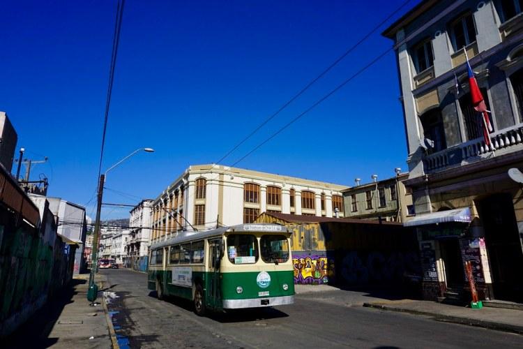 Trolebús en el Barrio Puerto