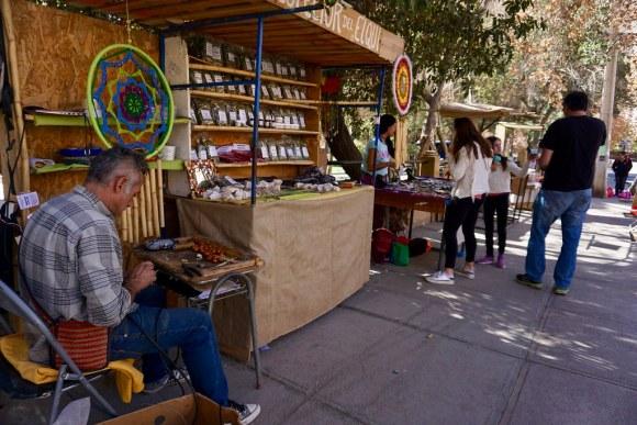 Artesanos en Plaza de Pisco Elqui