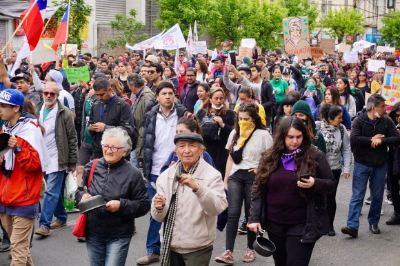 Marcha en Avenida Pedro Montt, Valparaíso