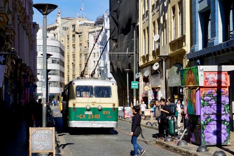 Trolebús en Calle Serrano