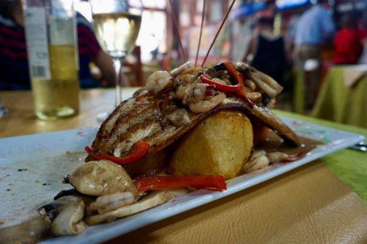 Pescado en salsa de mar y tierra, Taberna de Oscar