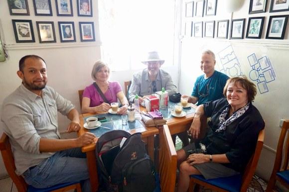 Ecomapu con turistas canadienses en Café República