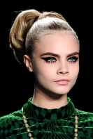 anna-sui-fall-2013-beauty