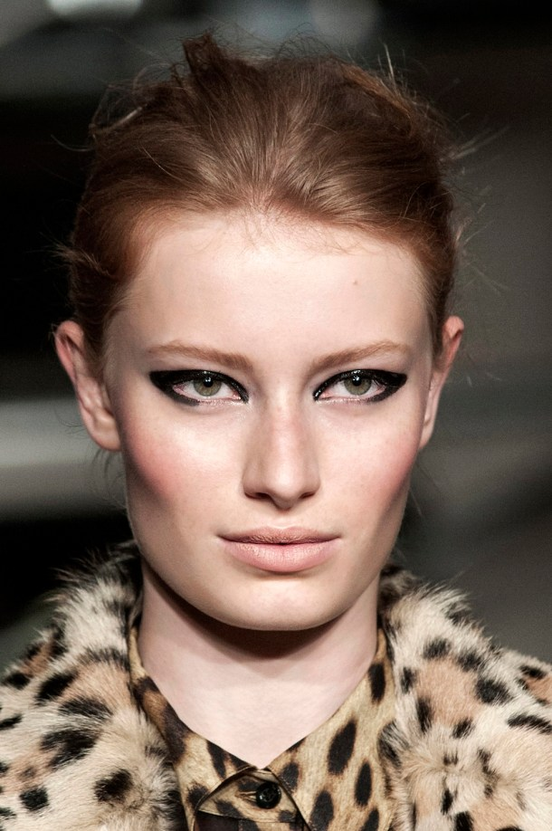 moschino-cheap-chic-fall-2013-beauty
