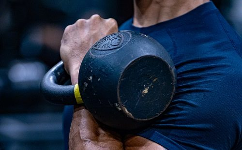 4 Kettlebell exercises to build muscle and burn fat