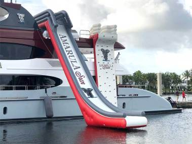 #No.1 inflatable yacht water slide